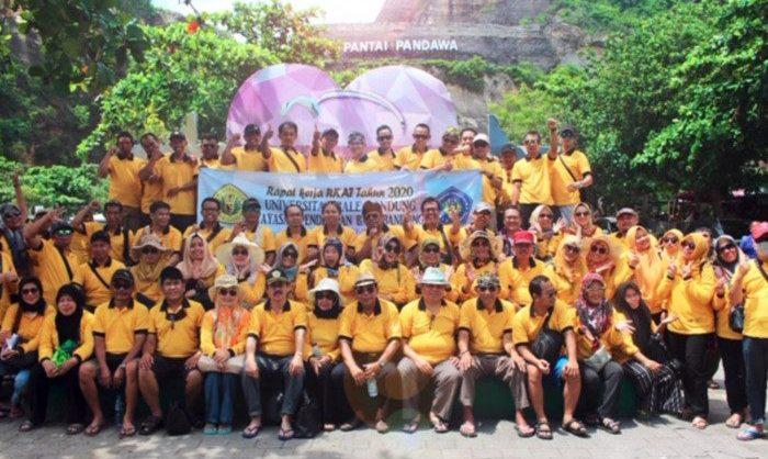 Rapat Kerja dan Gathering Universitas Bale Bandung Tahun 2020 di Pulau Bali